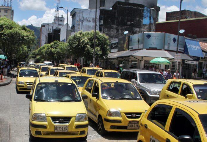 Cambió pico y placa para taxis; particulares y motos siguen igual - Noticias de Colombia