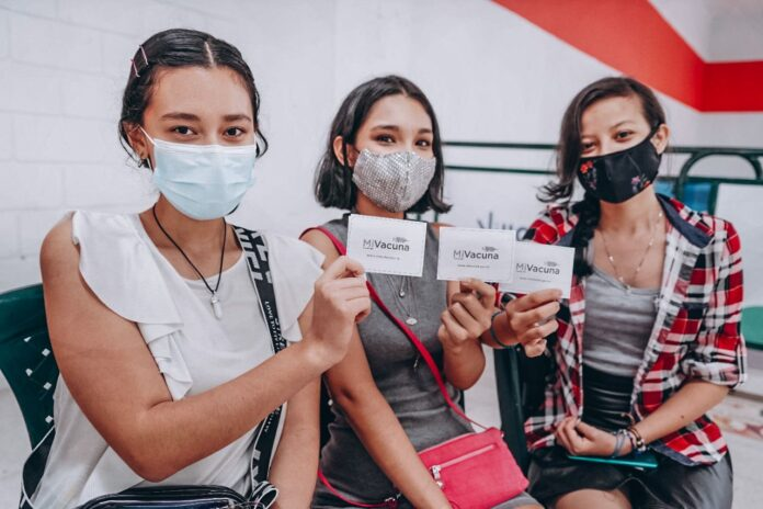 Villavicenses comprometidos con la vacunación: 5.000 dosis aplicadas el fin de semana - Noticias de Colombia